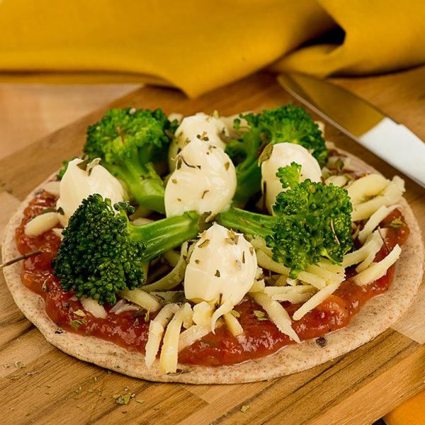 PIZZA DE BRÓCOLIS E CATUPIRY