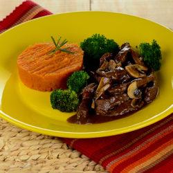 carne-ao-molho-madeira