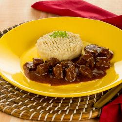 carne-ao-ragu-de-tomate