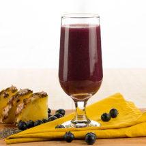 Suco de Abacaxi com Mirtilo